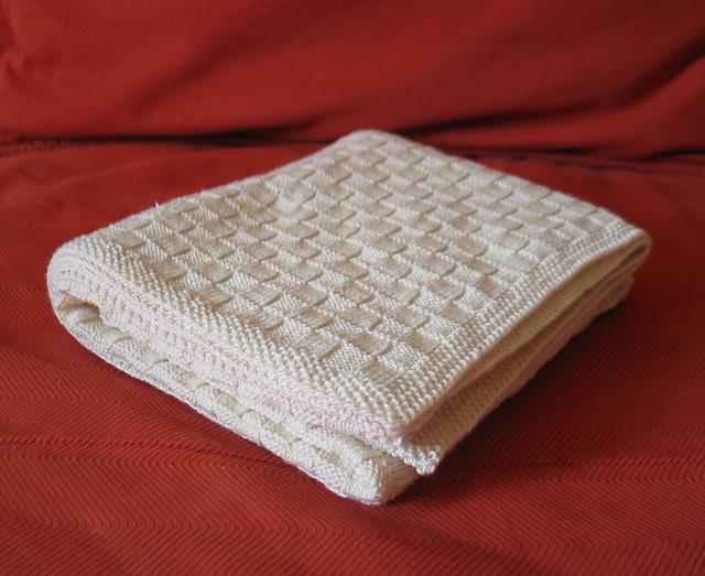 Одеяло вязаное детское