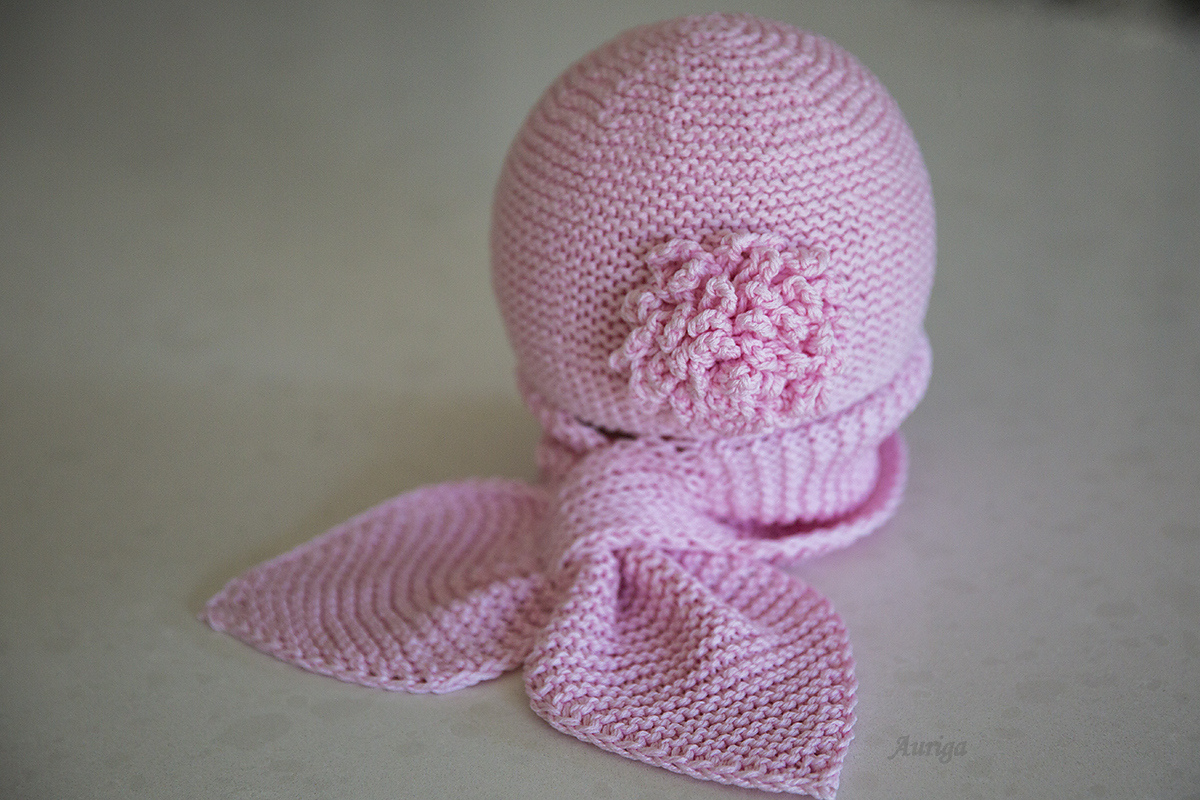 http://www.ravelry.com/projects/Auriga/bonnet-004-t8-090-5