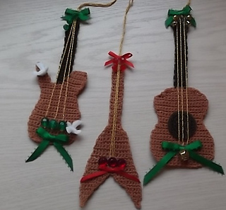 Free Pattern Crochet Guitar : Ravelry: 3 Guitar ornaments pattern by Betty Stevens
