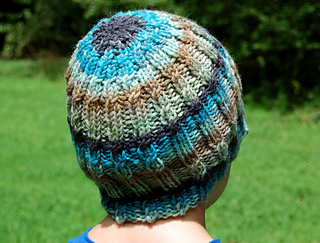 b706a708 Find us and more of our patterns on Ravelry! | StitchGeek