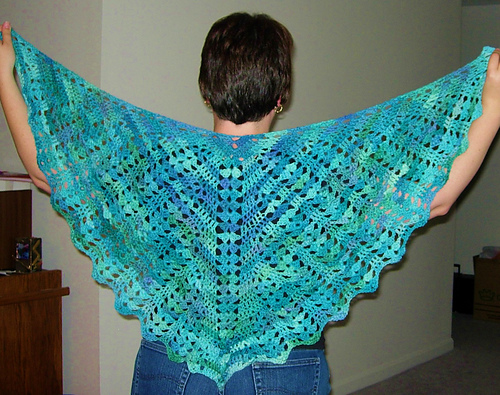 Knitting Pattern For Reading Shawl : Crochet Pattern + Seraphina Shawl Free Patterns For Crochet