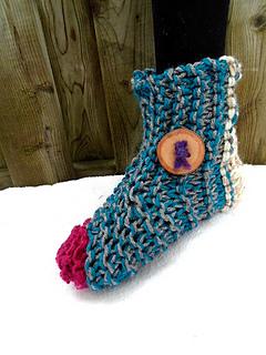 Knitting Patterns For Beginners Ravelry : Ravelry: 855 - Beginner Knit Slippers pattern by Emi Harrington