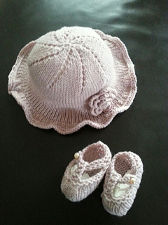 Ravelry Baby Hat And Shoes Knitting Pattern Pattern By
