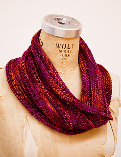 Ravelry: The Bella Cowl pattern by Keri McIntyre