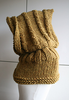 Hooded Cowl Knitting Pattern Ravelry : Ravelry: Hooded knitted cowl 11 pattern by Luz Mendoza