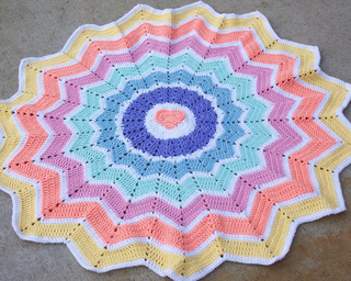Ravelry Rainbow Heart Round Ripple 15 Points Pattern By