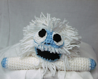 Ravelry bumble the abominable snowman shelf decoration for Abominable snowman decoration