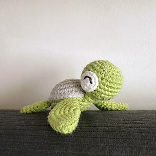 mini tortue mon premier amigurumi mes premi res mailles au crochet. Black Bedroom Furniture Sets. Home Design Ideas