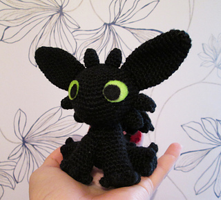 Free Crochet Pattern For Toothless The Dragon : Ravelry: Toothless Amigurumi pattern by Sarselgurumi