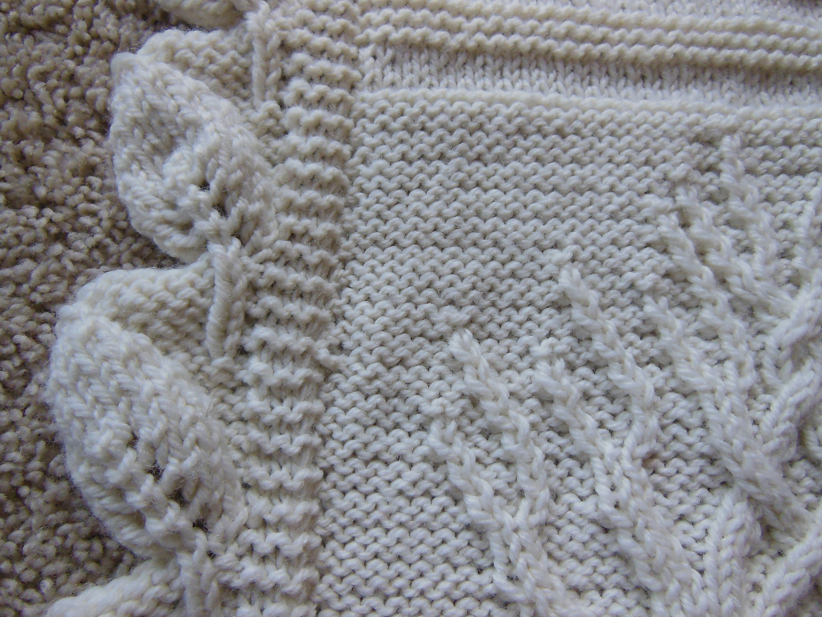 Tree Of Life Knitting Pattern Afghan : Bits and Pieces: Another Oldie: Tree of Life Afghan
