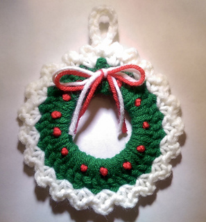 Ravelry: Christmas Wreath Ornament pattern by Amy Sobush
