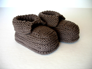 Ravelry: Baby Boots pattern by Debbie Bliss