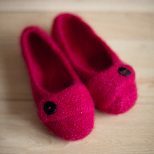 Free Knitting Pattern For Felted Slippers : Free Felted Slipper Pattern
