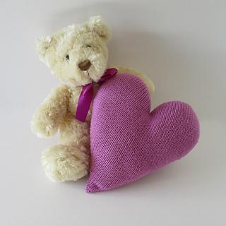 Ravelry: Heart Cushion pattern by Amanda Berry