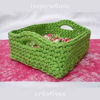 Crochet Rectangle Basket Pattern Free : Ravelry: Zpagetti Square Basket pattern by Sylvie Sirugue