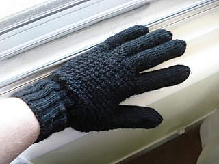 Ravelry: Mens Gloves pattern by Jaeger Hand-knit