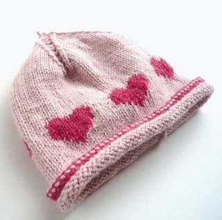 Knitting Pattern Hat With Hearts : Ravelry: Baby beanie - Little Hearts (flat knitting ...