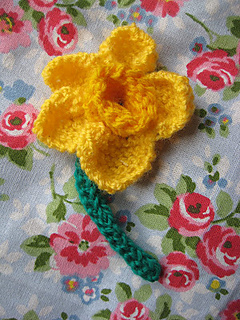 Knitted Daffodil Brooch Pattern : Ravelry: Daffodil Brooch pattern by michelle fallon