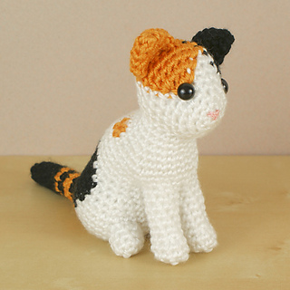 Ravelry: AmiCats Calico Cat pattern by June Gilbank