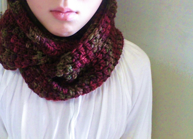 Sakura Knit Blog: Crocheted Circle Scarf