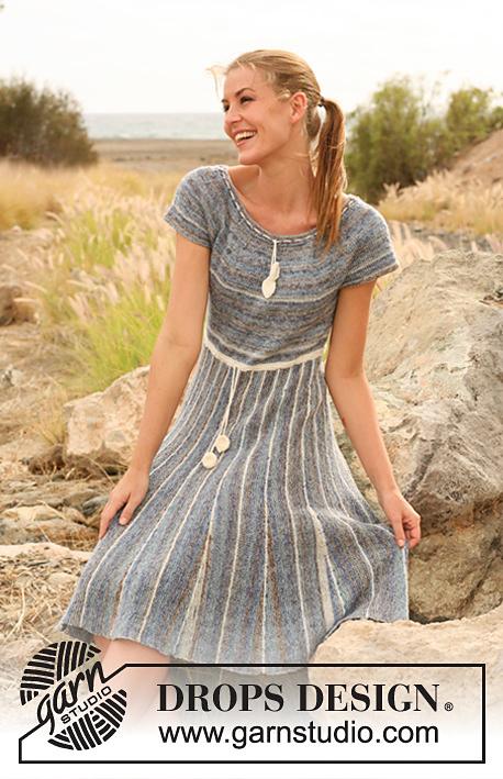 Сукня з круглою кокеткою